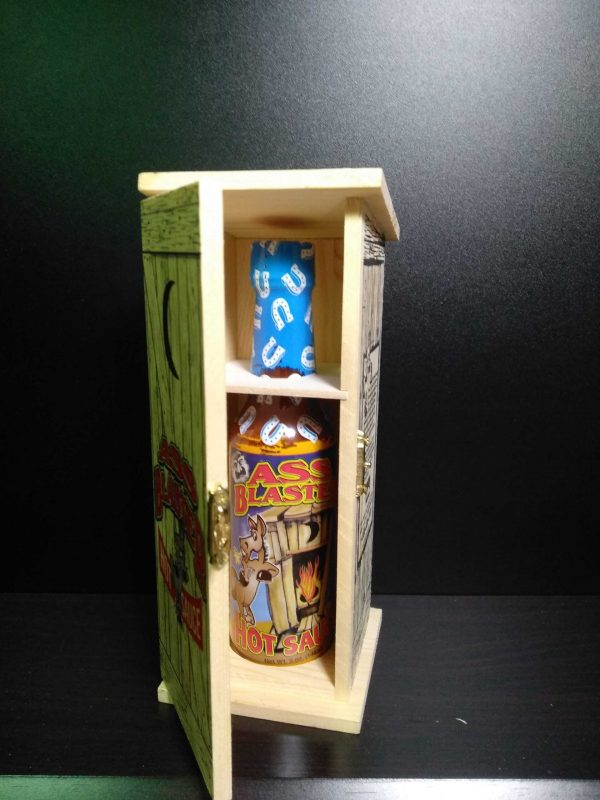 Ass Blaster Collector's Hot Sauce в подарочной упаковке.